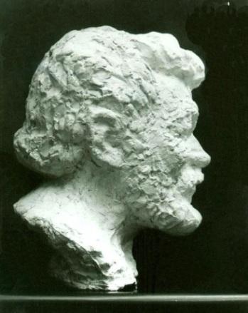 скульптурный портрет Николая Чекмарева, бюст, профиль