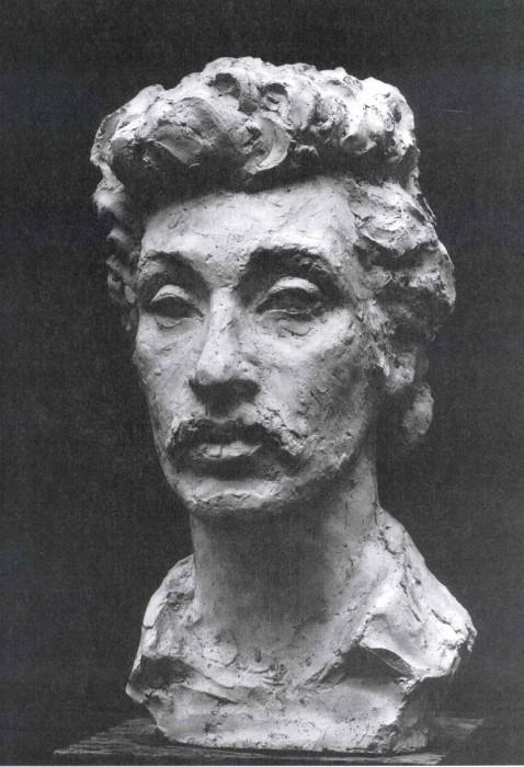 скульптурный портрет Александра Фридмана