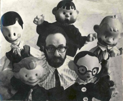 Лев Разумовский с игрушками