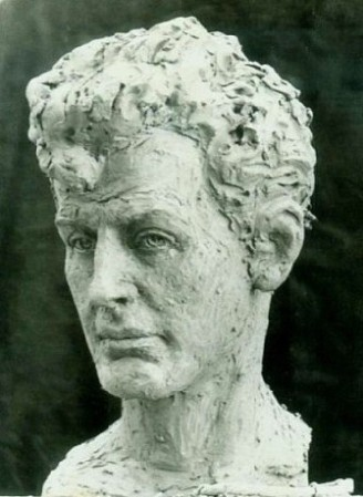 скульптурный портрет Переца Маркиш