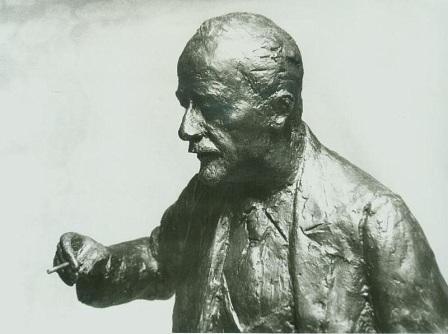 фрагмент скульптурного портрета Михаила Молоствова