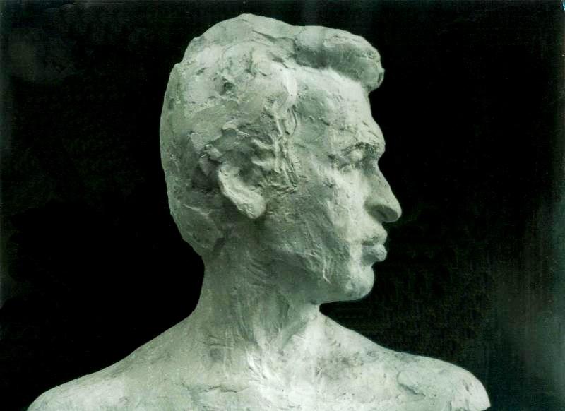 скульптурный портрет Виктора Смоленского, профиль