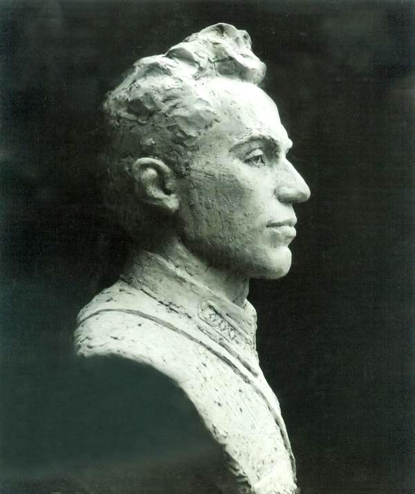 памятник Смушкевичу, глина, профиль
