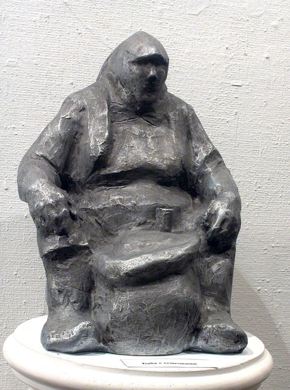 """скульптура """"Торговка семечками"""""""