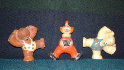 Гипсовые модели игрушек - два цирковых медведя и клоун
