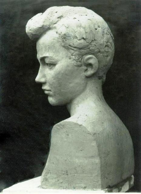 Бюст женщины (Зоя), профиль
